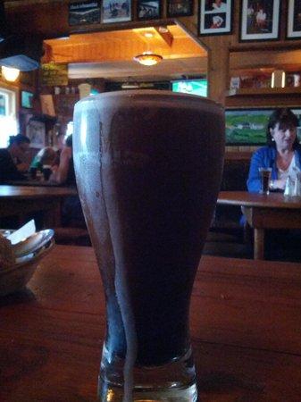 """McGann's Pub and B&B: Glass of Guinness... Al pub la norma è la pinta, ma se non si sta troppo bene...E' ammesso il """"g"""