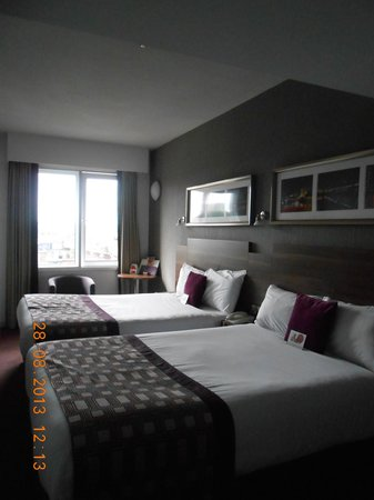Jurys Inn Glasgow: bedroom 406