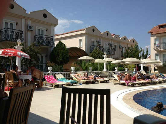 Ramos Hotel: From pool snack bar