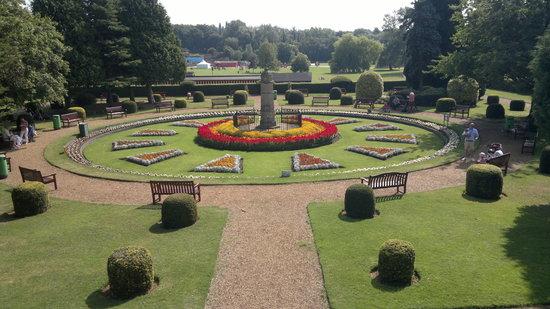 Wicksteed Park: gardens