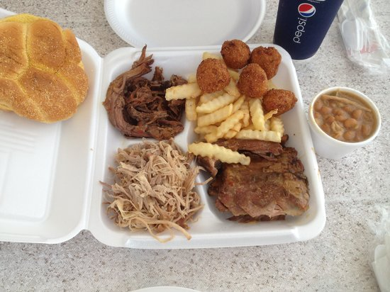 Country Boy BBQ: Yummy Combo Lunch