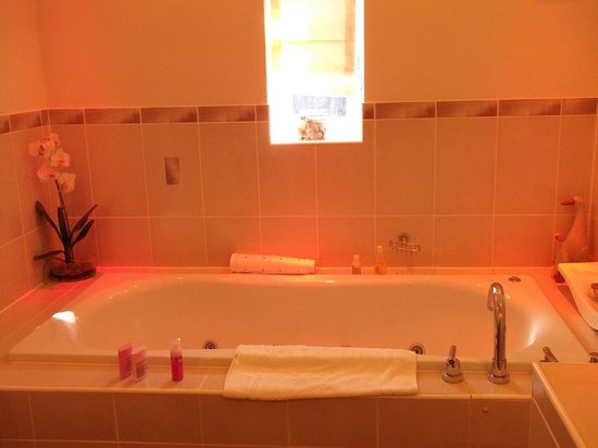 Havenhurst House: Bathroom 1