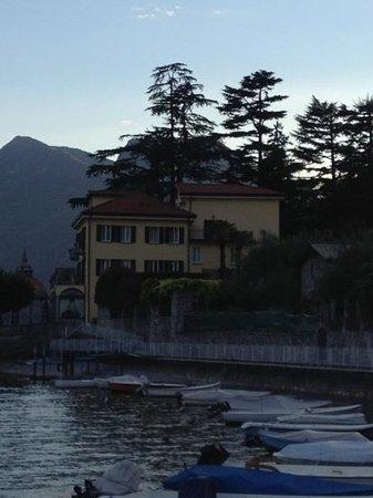 Hotel Ristorante Taverna Bleu: Du bord du lac