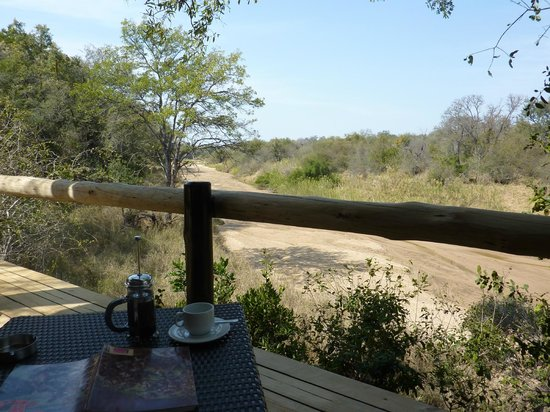 Kuname Lodge: Our private deck