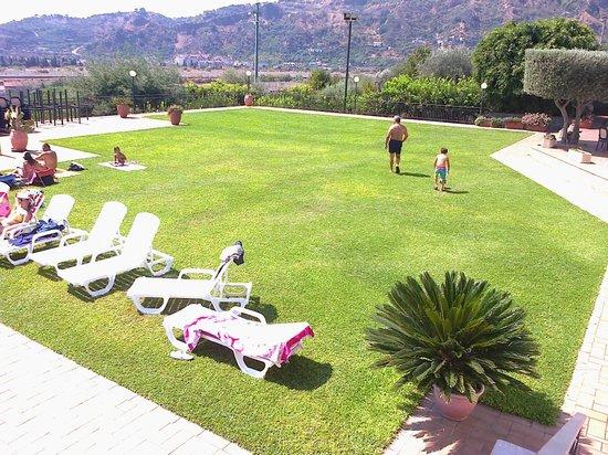 A Nuciara Park Hotel & SPA: prato1