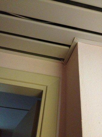 Cordial Hotel & Golf Resort Pelagone : Spinnenwebben vond je overal in de kamer