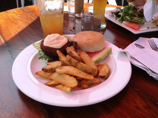 Maguire's Bay Front Restaurant : Blue Claw Crab Cake Sandwich