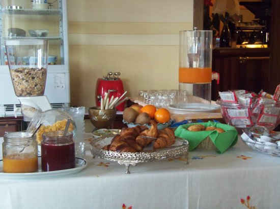 Locanda da Renzo: breakfast at Laconda da Renza