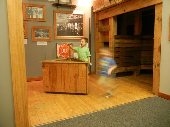 Children's Museum of Oak Ridge : Coal Mining Exhibit