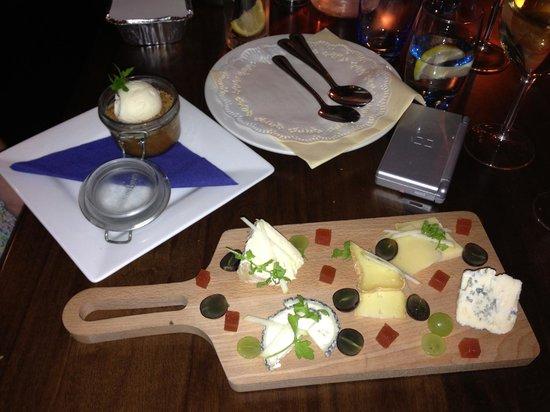 O'Grady's on the Pier: Irish cheese selection
