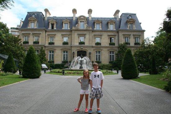 St james hotel paris picture of saint james paris for Chateau hotel paris