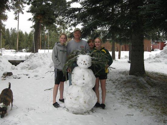 Crescent Creek Cottages & RV Park: Crescent Creek Snowman