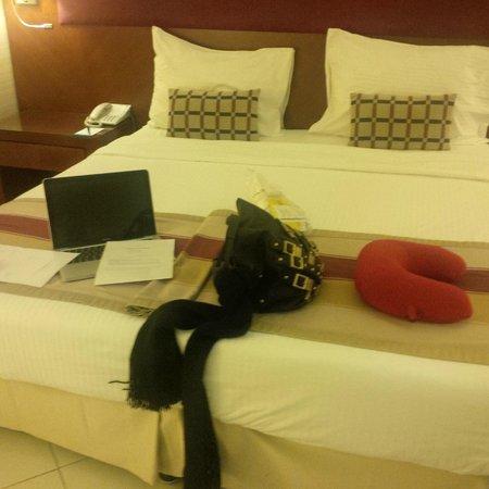Flora Creek Deluxe Hotel Apartments: Bedroom area