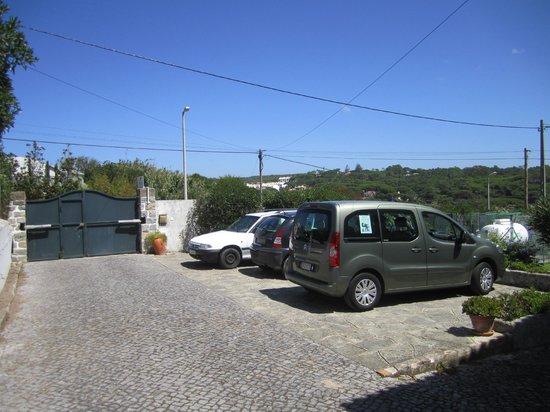 Casalinho de Santo Antonio: Estacionamiento