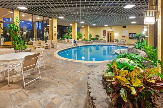 Indoor Pool And Spa Picture Of Crowne Plaza Suites Houston Near Sugar Land Houston