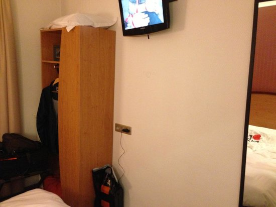 Meridional Hotel: Πολύ μικρό δωμάτιο