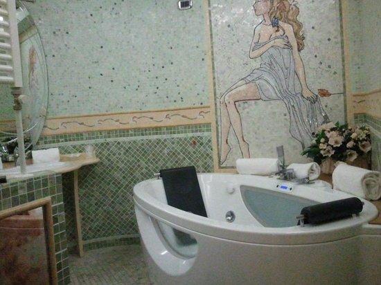 Villa Sofia: bagno con vasca idromassaggio