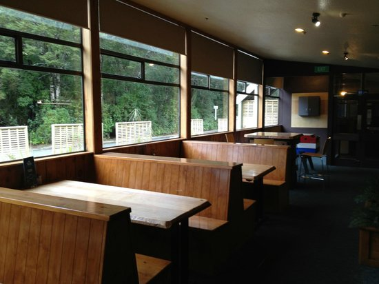 Blue Duck Cafe & Bar: Seating area