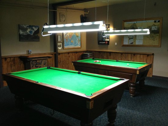 Blue Duck Cafe & Bar: Pool tables