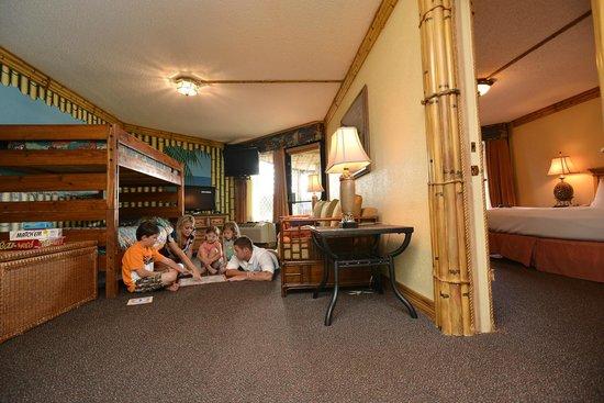 Hilton Galveston Island Resort: Kids Camp Suite with adjoining room