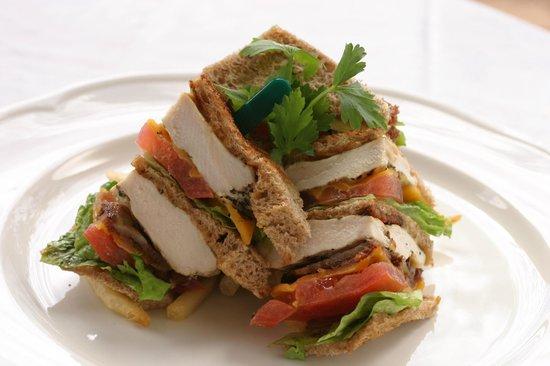 Poipu Bay Grill and Bar: Club Sandwich