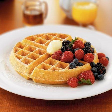 Poipu Bay Grill and Bar: Breakfast Waffle