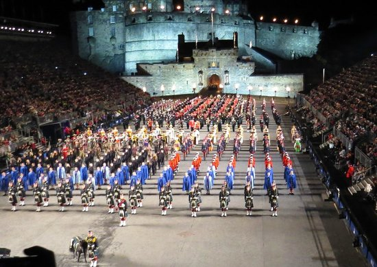 The lone piper picture of the royal edinburgh military for Scottish military tattoo
