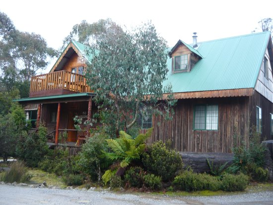 Cradle Mountain Highlanders Cottages: Reception! (lovely isn't it)