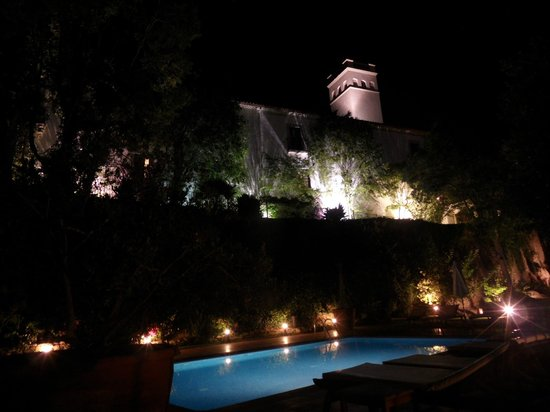 Hotel El Convent: night view
