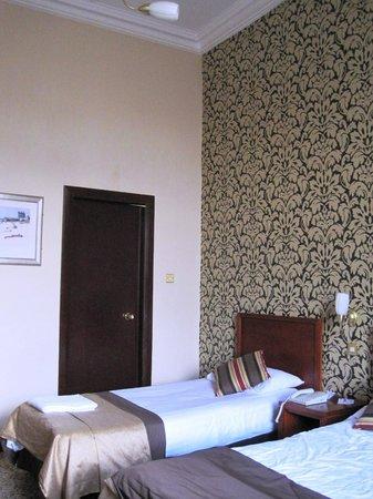 Best Western Queens Hotel: Bedroom