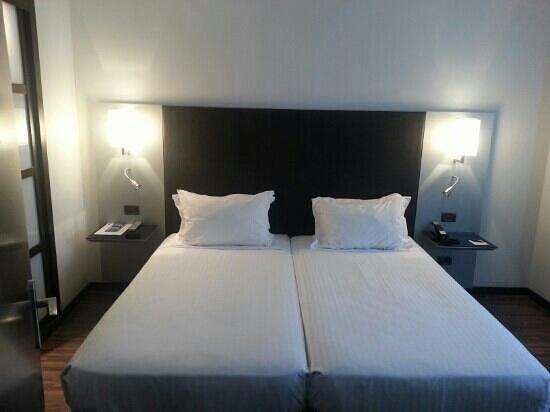 AC Hotel Algeciras: 4.Habitación matrimonio pta2