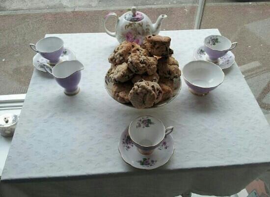 Francis Tea Rooms : Scones and tea