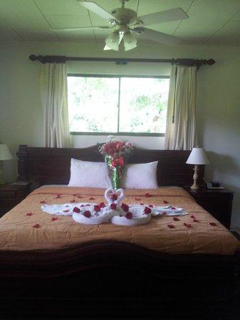 Crocodile Bay Resort: Casa decorada para recién Casados.