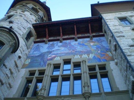 Bernisches Historisches Museum - Einstein Museum: afresco na fachada do museu