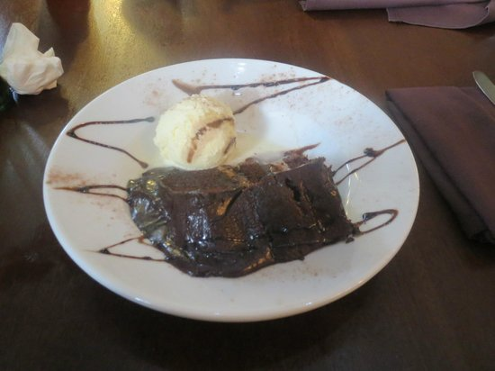 The Farmhouse Restaurant: choc fudge cake delicious!
