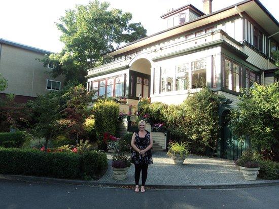 Beaconsfield Inn : Exterior