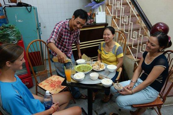 Hanoi Family Homestay: Guest, Binh, Lan, Perfume