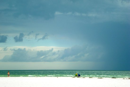 Bon Aire Resort: storm clouds rolling in