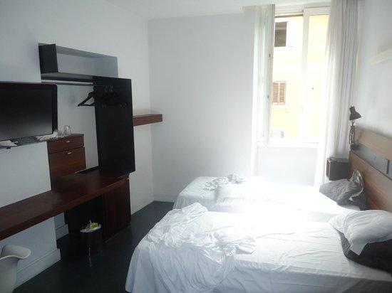 Elite Hotel: Chambre 203