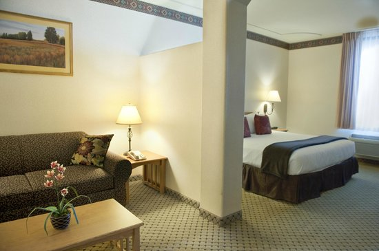 The Inn at Rolling Hills: New bedding in the Family Suites