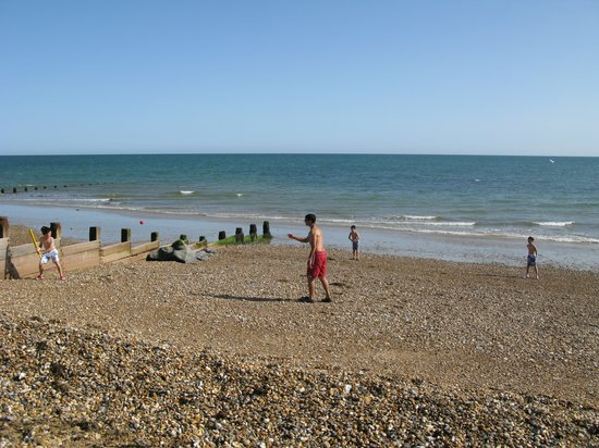 Manor House: Felpham Beach
