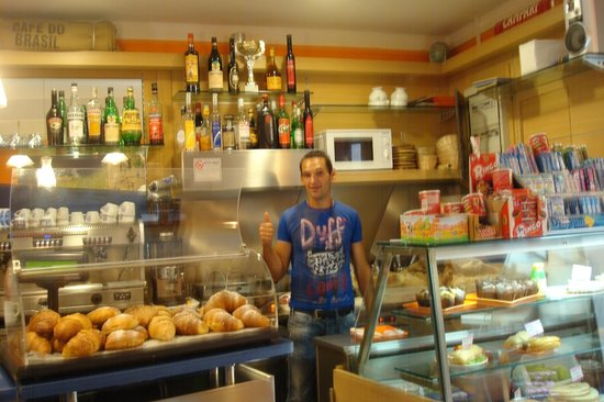 Caffe Matteo: Gabrielle , un excelente persona,su atención de maravillas