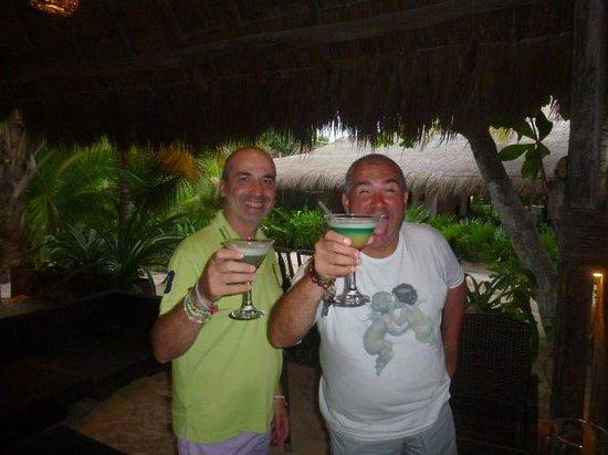 Hotel Cabanas Tulum : very happy hour