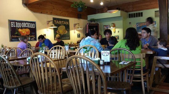 Hobee's: Mountain View is a very popular breakfast and lunch location.
