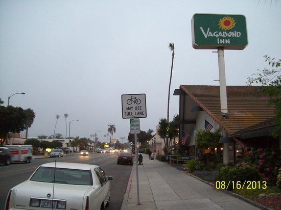 Vagabond Inn Ventura: Very nice place to stay. Walking distance to beach, pier and a lot more.Excellent value