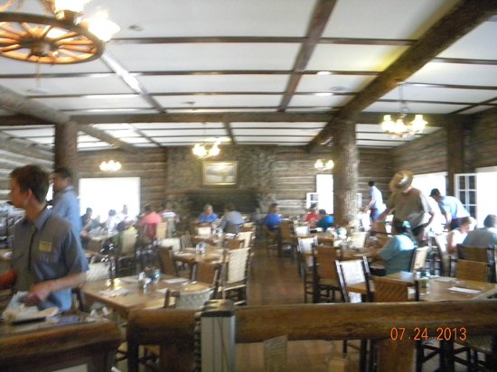 Roosevelt Lodge Dining Room: dining area