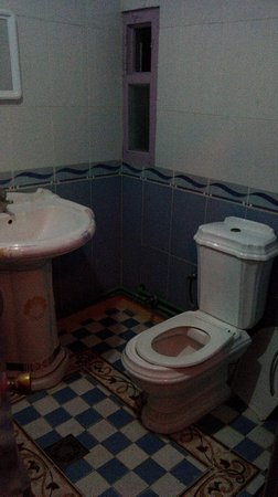 Hotel Belle Vue Zillis: bagno