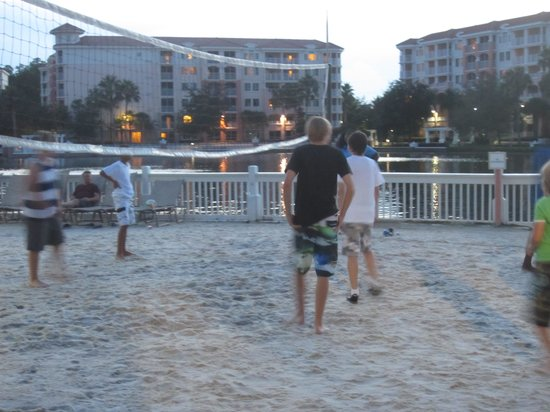 Marriott's Grande Vista: volleyball at night, teens loved it