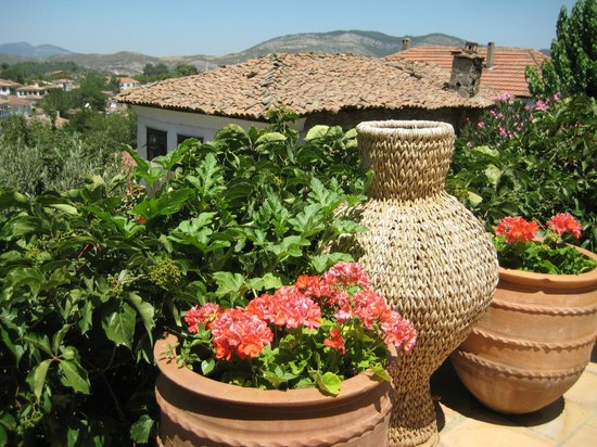 Terras Evler - Terrace Houses Sirince: On the porch