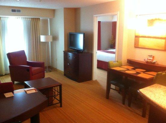 Residence Inn Midland: Guest room